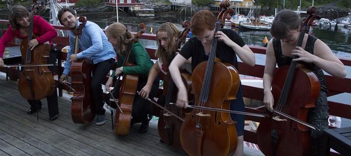 Celloer på kaia