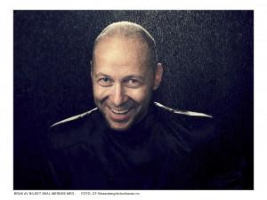 Sveinung Bjelland, pianist  sveinungbjelland@gmail.com